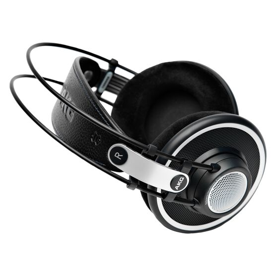 K702 - Black - Reference studio headphones - Detailshot 2