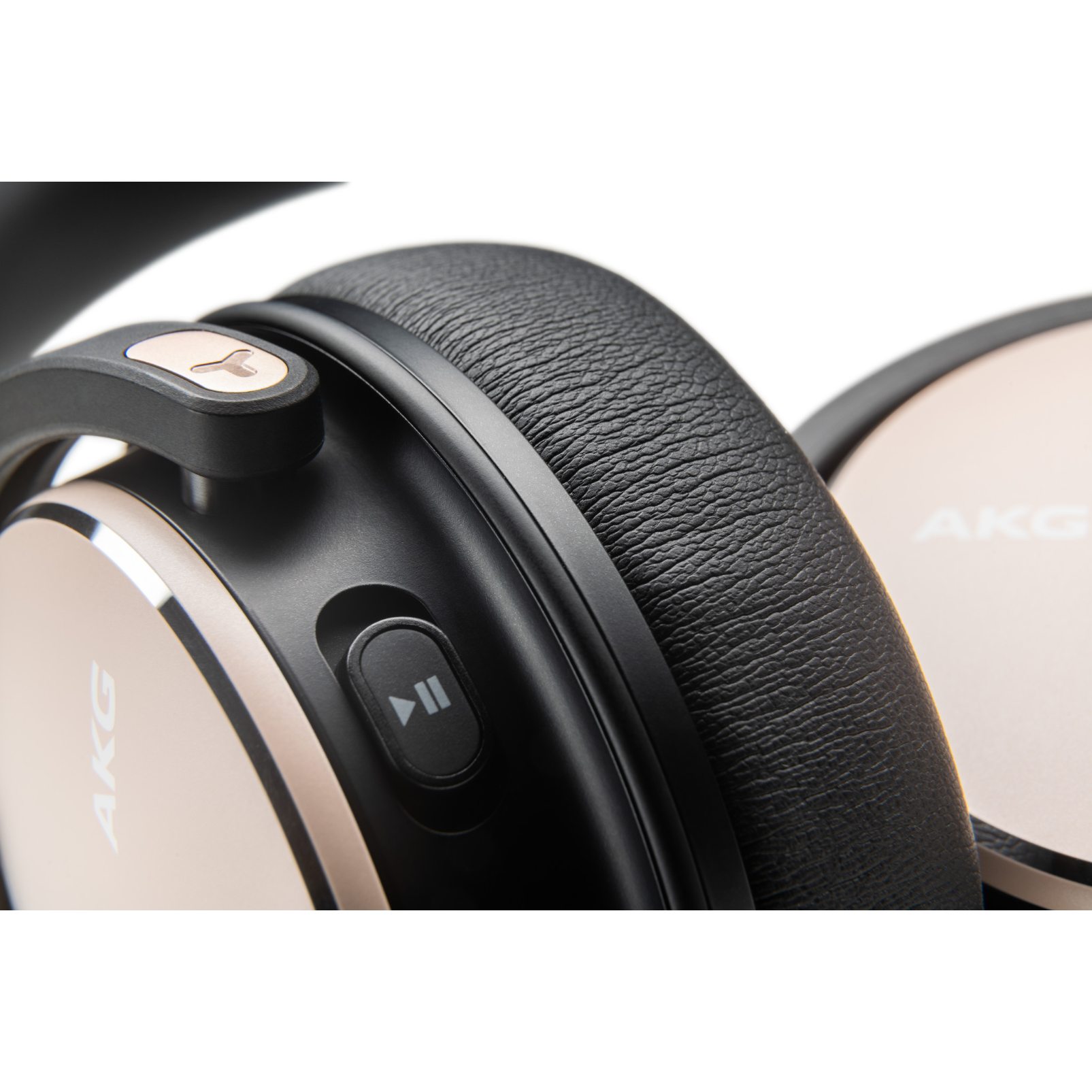 AKG Y600NC WIRELESS - Beige - Wireless over-ear NC headphones - Detailshot 1