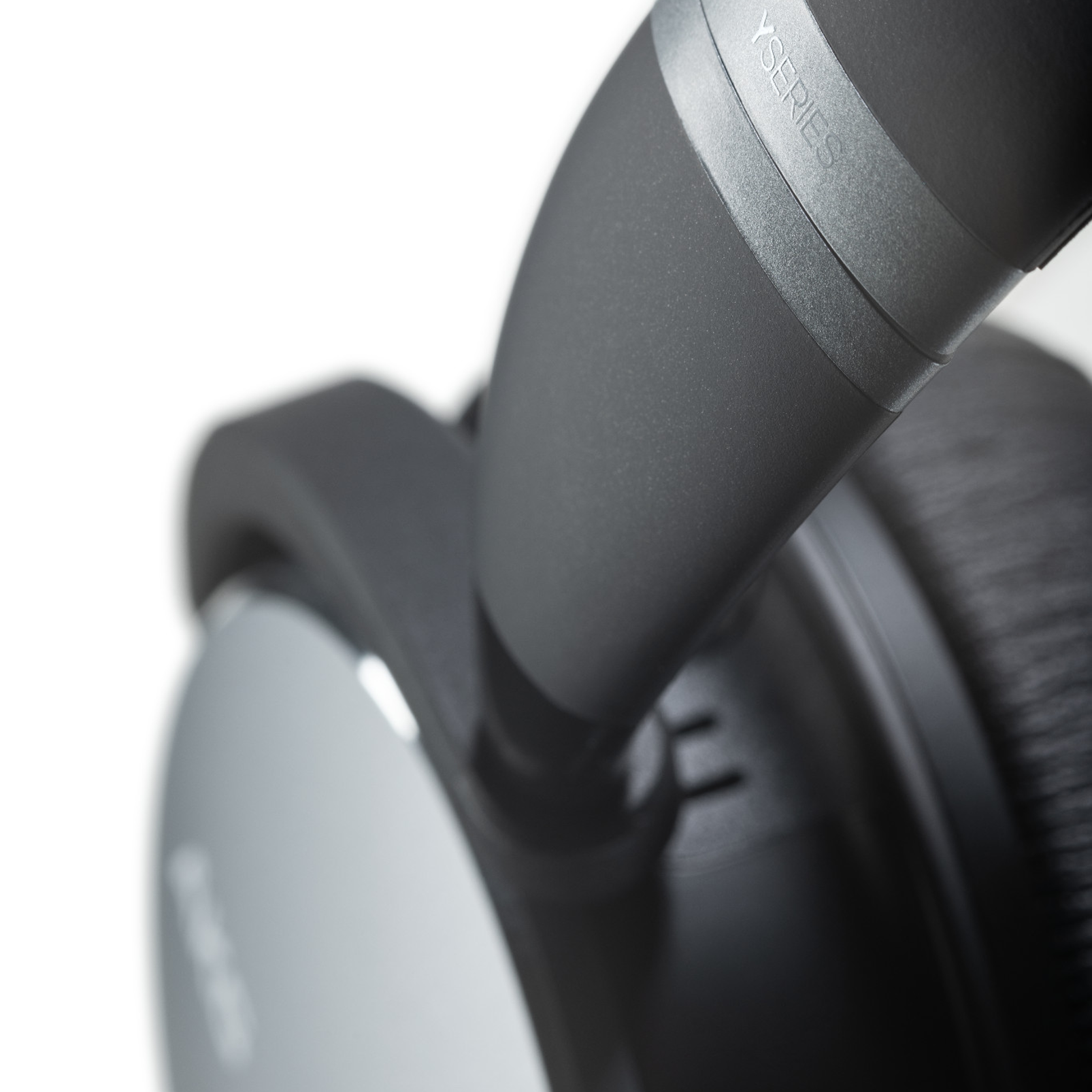 AKG Y600NC WIRELESS - Gun Metal - Wireless over-ear NC headphones - Detailshot 1
